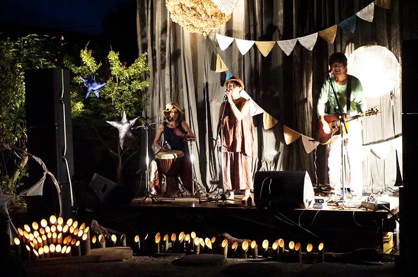 地球屋バンドによる音楽ライブ