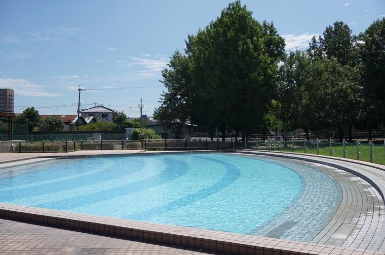 夏にはジャブジャブ池が大人気