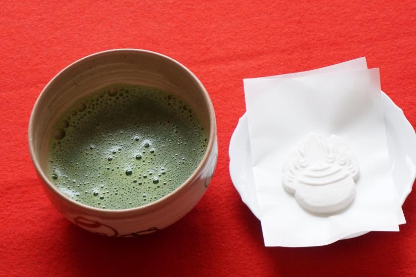 抹茶と砂糖菓子のセット