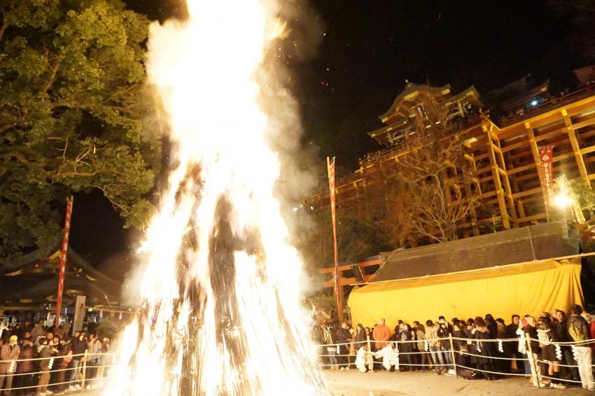 十数メートルの火柱