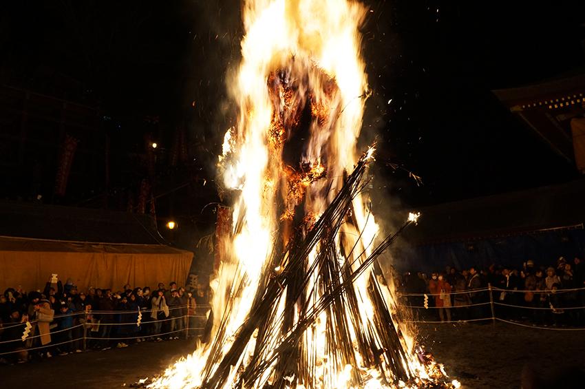 お火たきの火柱