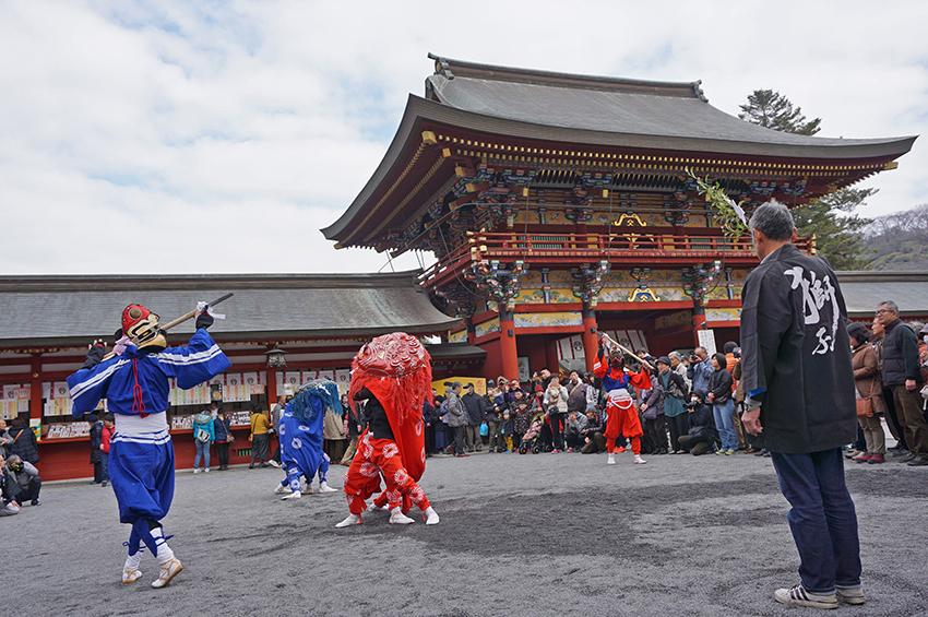 大村方獅子舞と剣使い